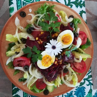 happy healthy salad